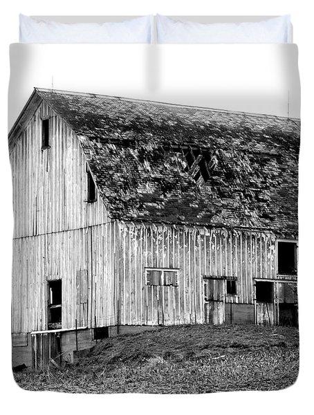 Barn On The Hill Bw Duvet Cover by Julie Hamilton