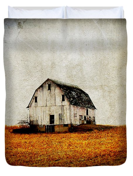 Barn On The Hill Duvet Cover