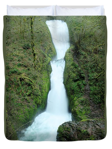 Duvet Cover featuring the photograph Bridal Veil Falls by Jeff Swan