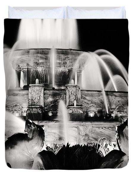 Buckingham Fountain At Night Duvet Cover