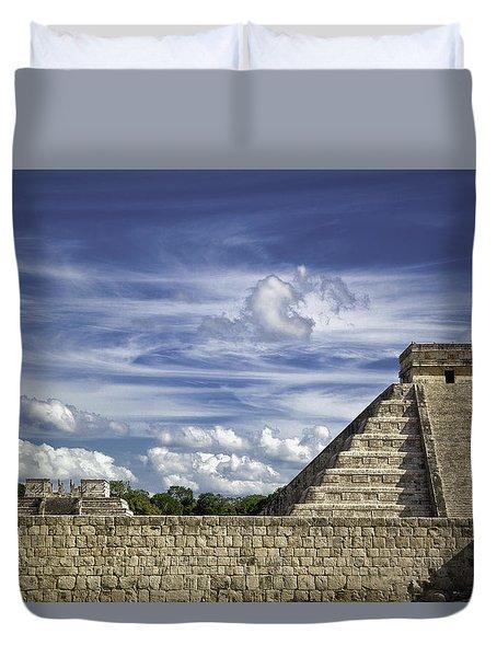 Chichen Itza, El Castillo Pyramid Duvet Cover