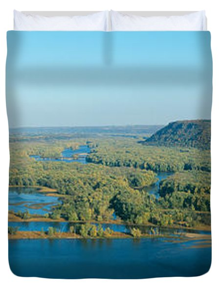 Confluence Of Mississippi And Wisconsin Duvet Cover