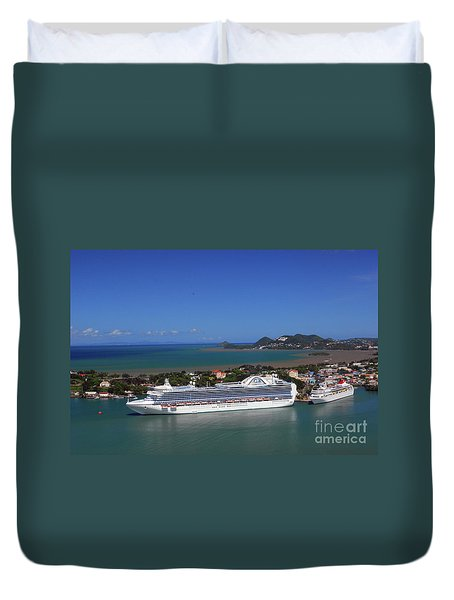 Duvet Cover featuring the photograph Cruise Port by Gary Wonning