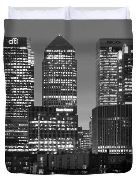 Docklands Canary Wharf Sunset Bw Duvet Cover by David French