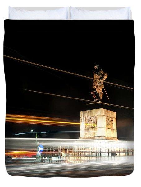 Drake's Statue Traffic Trails Iv Duvet Cover