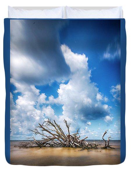 Duvet Cover featuring the photograph Driftwood Sky by Alan Raasch