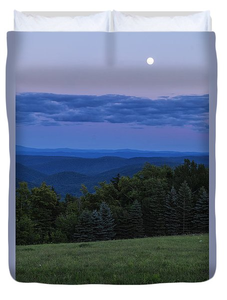 Duvet Cover featuring the photograph East Dover Full Moon by Tom Singleton