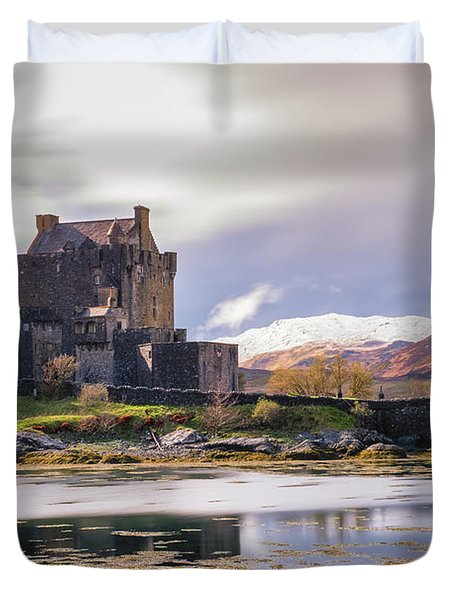 Eilean Donan Castle, Dornie, Kyle Of Lochalsh, Isle Of Skye, Scotland, Uk Duvet Cover