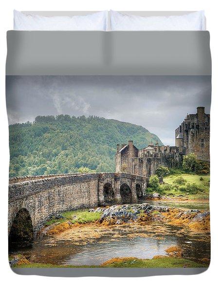 Eilean Donan Castle Duvet Cover by Ray Devlin