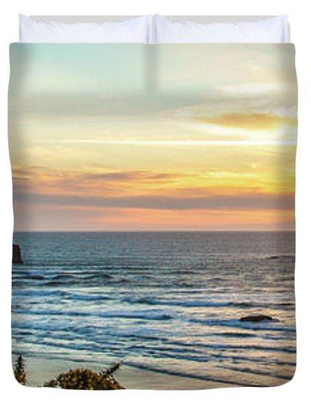 Face Rock At Sunset Duvet Cover
