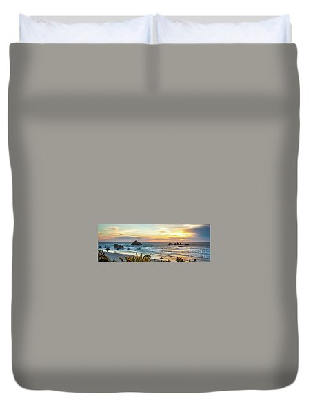 Face Rock At Sunset Duvet Cover