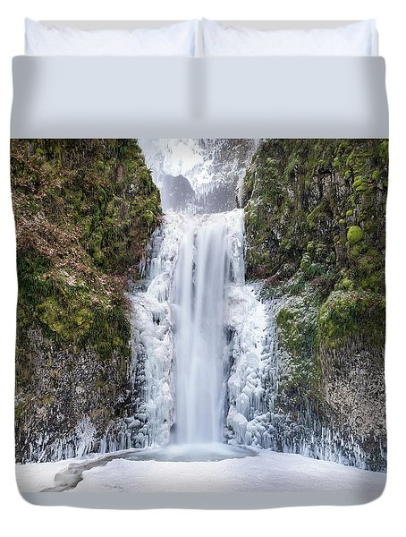 Frozen At Multnomah Falls Duvet Cover by David Gn