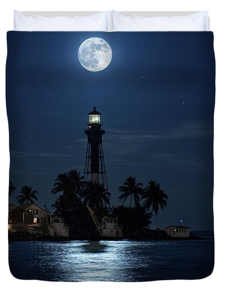 Full Moon Over Hillsboro Lighthouse In Pompano Beach Florida Duvet Cover