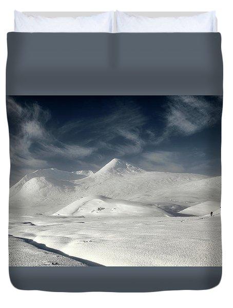 Duvet Cover featuring the photograph Glencoe Winter Landscape by Grant Glendinning