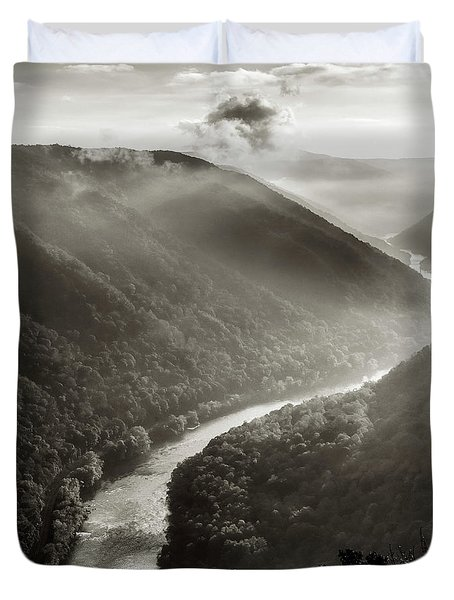 Grandview In Black And White Duvet Cover