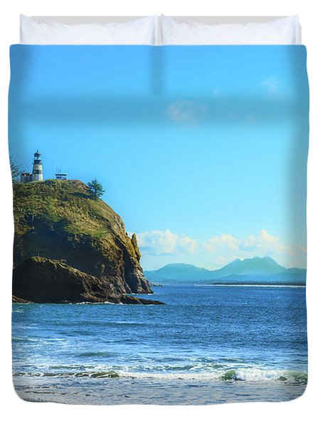 Duvet Cover featuring the photograph Great View by Robert Bales