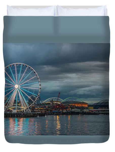 Duvet Cover featuring the photograph Great Wheel by Jerry Cahill