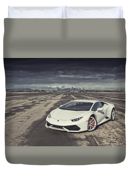 Duvet Cover featuring the photograph Lamborghini Huracan by ItzKirb Photography