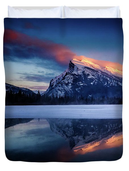 Last Light On Mount Rundle Duvet Cover