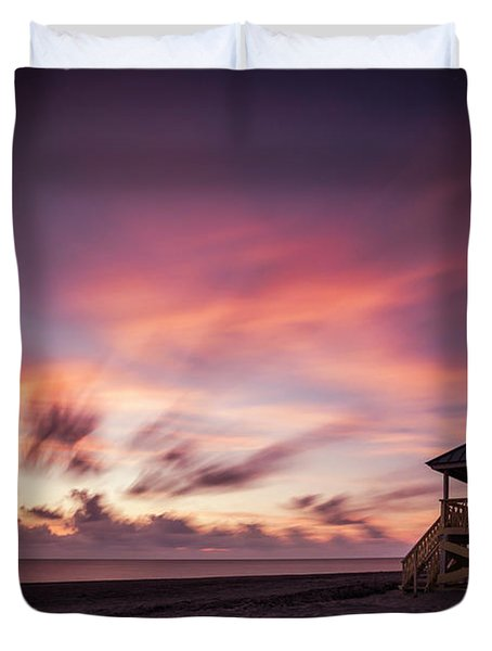 Light Into The Darkness Duvet Cover