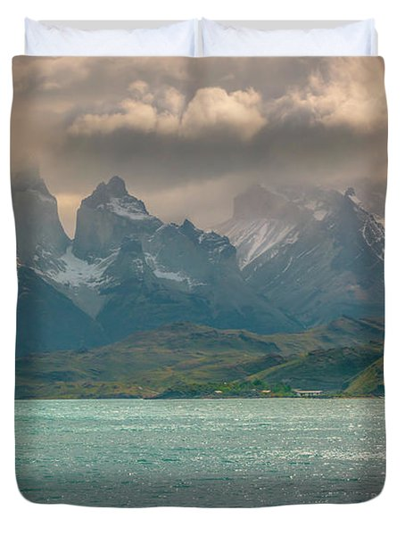 Los Cuernos  Duvet Cover by Andrew Matwijec