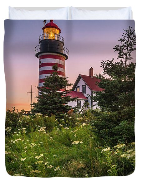 Maine West Quoddy Head Light At Sunset Duvet Cover