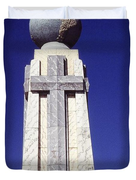 Monumento Al Divino Salvador Del Mundo Duvet Cover