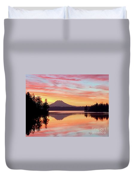 Mount Rainier Dawn Duvet Cover