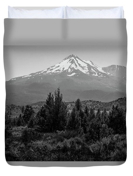 Mount Shasta And Shastina Duvet Cover by Frank Wilson