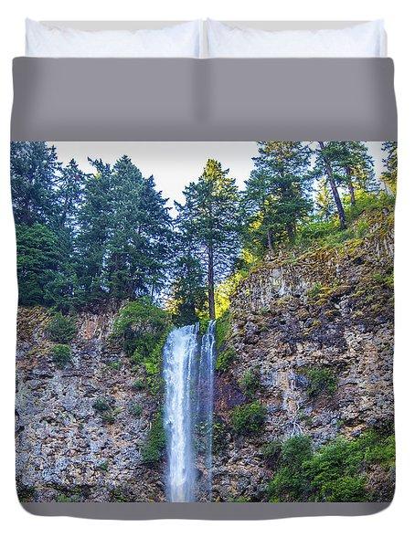 Duvet Cover featuring the photograph Multnomah Falls Cliff by Jonny D
