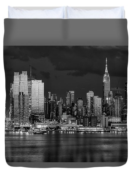 Duvet Cover featuring the photograph New York City Skyline Pride Bw by Susan Candelario