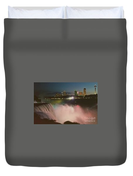 Duvet Cover featuring the photograph Niagara  by Raymond Earley