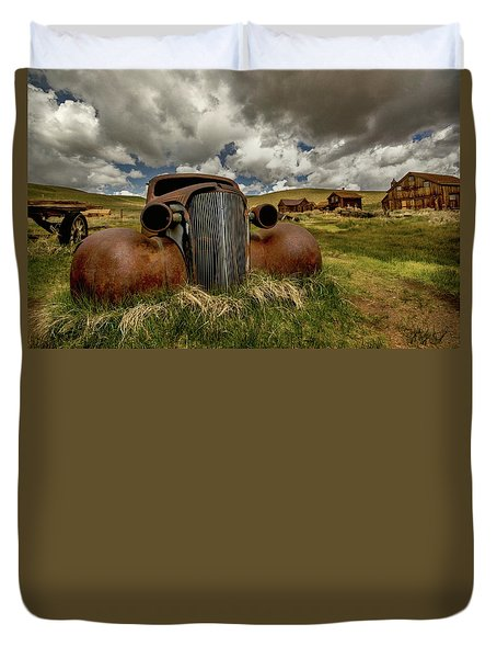 Old Jalopy Bodie State Park Duvet Cover