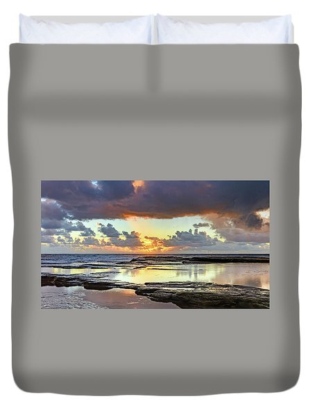 Overcast And Cloudy Sunrise Seascape Duvet Cover