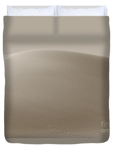 Duvet Cover featuring the photograph Desert Summit by Suzanne Oesterling