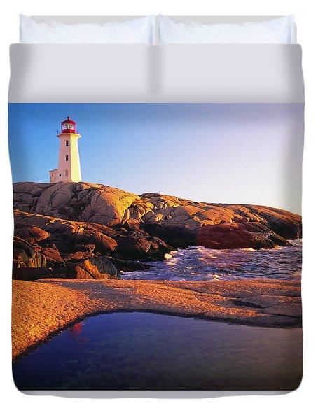 Peggy's Point Lighthouse, Nova Scotia Duvet Cover