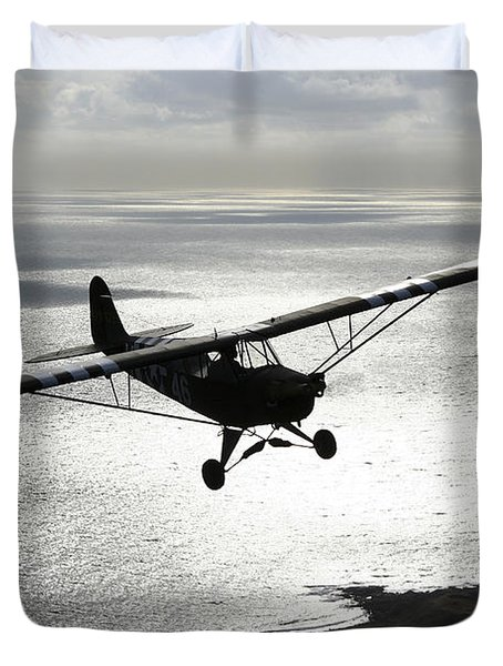 Piper L-4 Cub In Us Army D-day Colors Duvet Cover by Daniel Karlsson