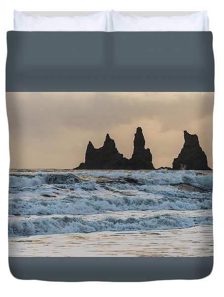 Duvet Cover featuring the photograph Reynisdrangar by James Billings