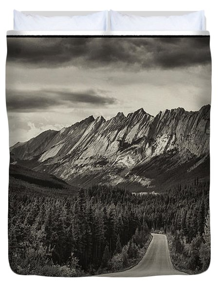 Road To Granite Mountain Duvet Cover