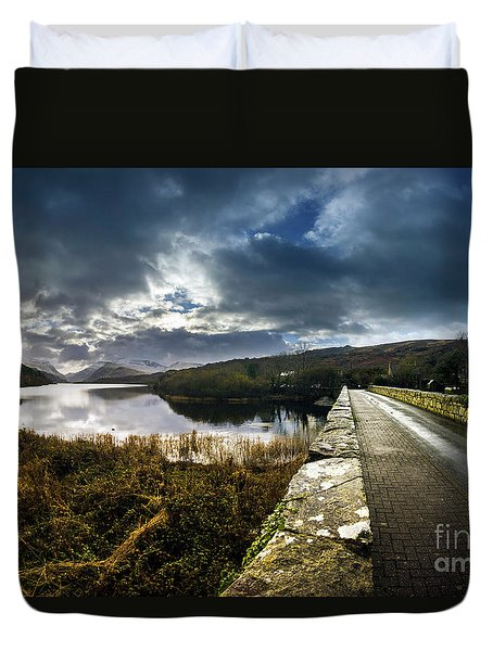 Road To Snowdon Duvet Cover