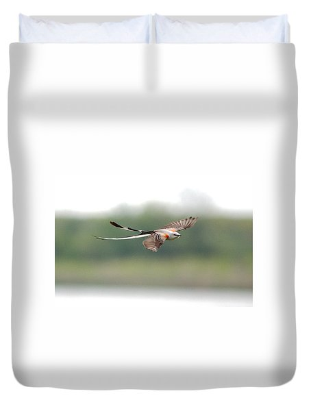 Scissor-tailed Flycatcher In Flight Duvet Cover
