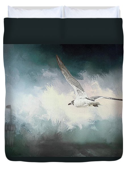 Seagull In Flight Duvet Cover by Sennie Pierson