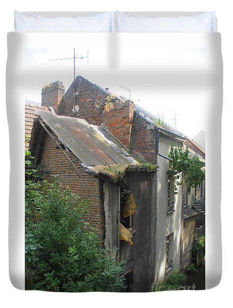 Duvet Cover featuring the photograph Seen Better Days by Therese Alcorn