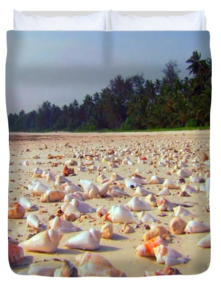 She Sells Sea Shells At The Sea Shore Seaweed And Sea Shells Beaches Of Zanzibar Tanzania Duvet Cover