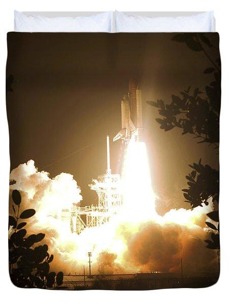 Space Shuttle Endeavour Liftoff Duvet Cover by Stocktrek Images