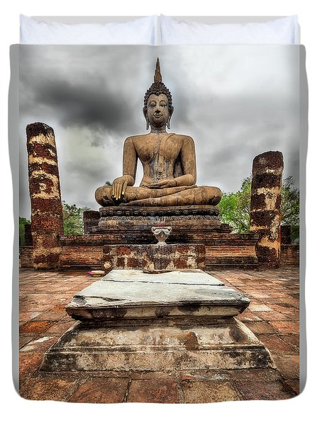 Duvet Cover featuring the photograph Sukhothai Historical Park by Adrian Evans