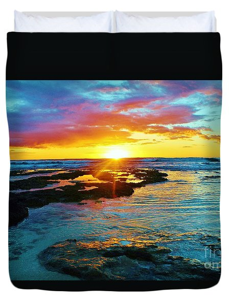 Sun, Sea And Sky Duvet Cover by Craig Wood