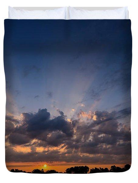 Sunrise At The Abbott Aviation Center Duvet Cover