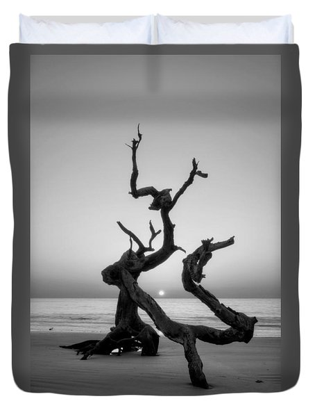 Sunrise On Driftwood In Black And White Duvet Cover