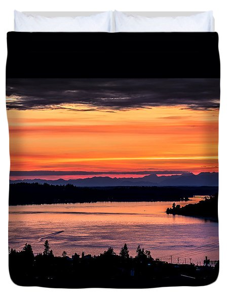 Sunset Over Hail Passage On The Puget Sound Duvet Cover by Rob Green